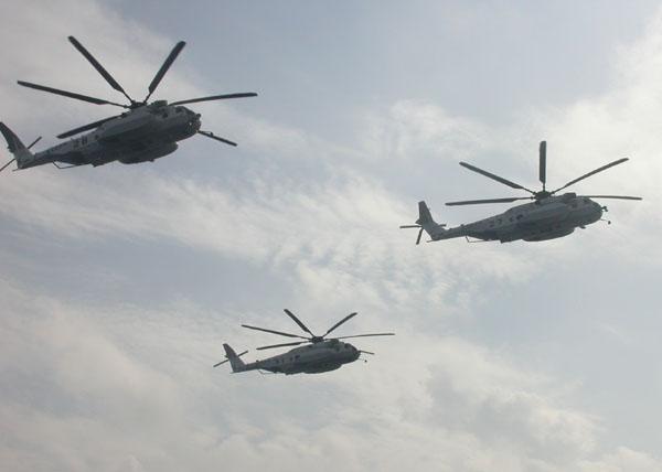 掃海ヘリ MH-53E